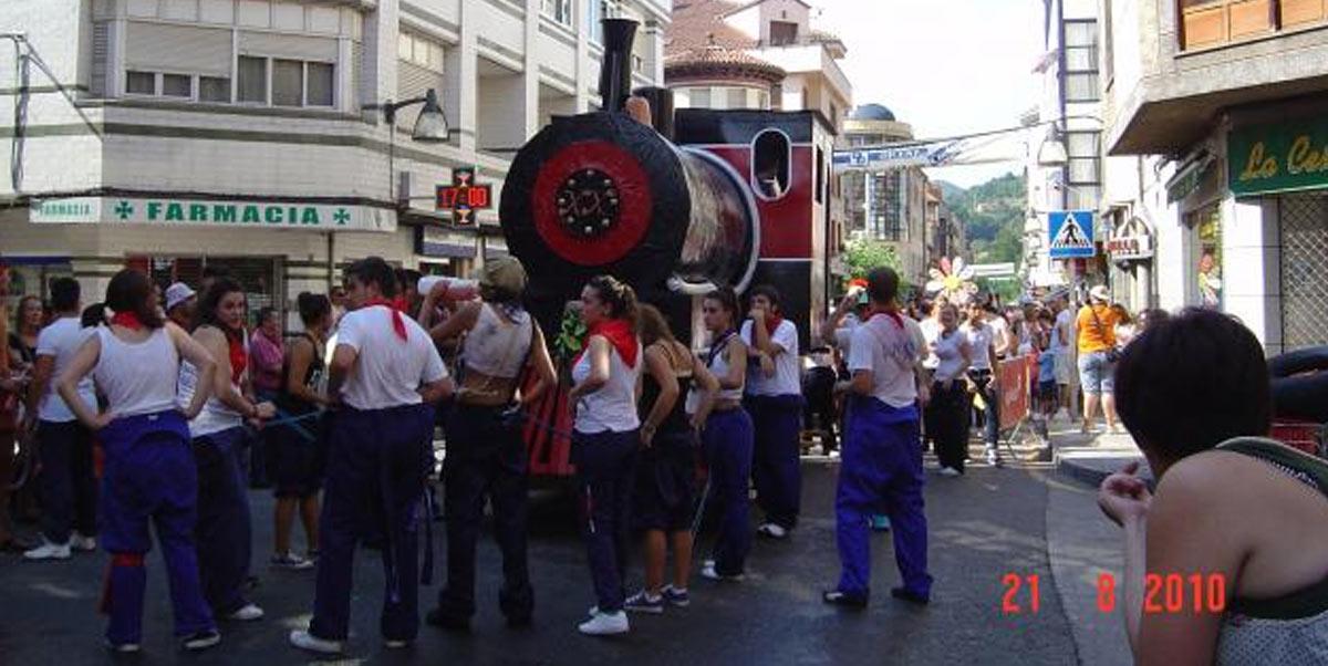 Peña Otero Team en el desfile previo al descenso