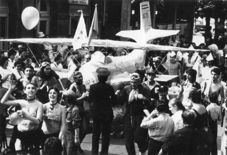 Participantes de las primeras ediciones de la fiesta en las calles de Laviana